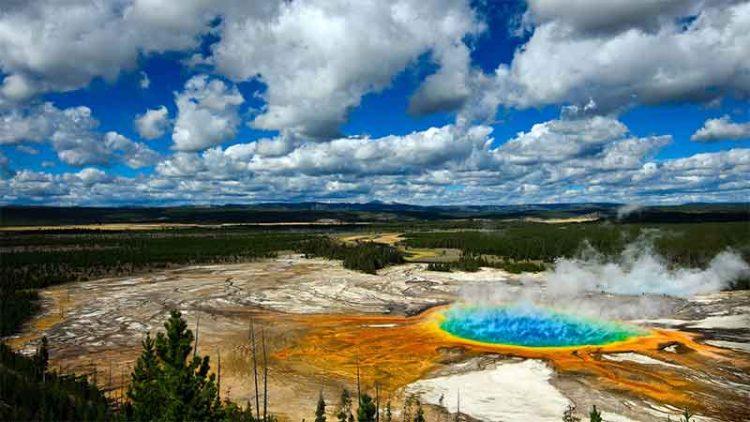 อุทยานน้ำพุร้อนแห่งชาติ Yellowstone